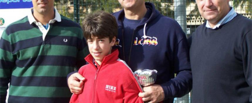 Más de 30 parejas compitieron en el torneo familiar del Club El Candado