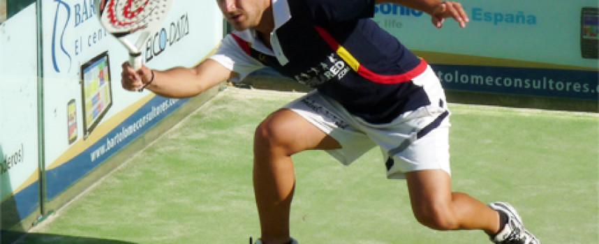 Javi Bravo y Paquito Ruiz imponen su inteligencia y potencia en la 2ª del Torneo Onda Cero de Lew Hoad