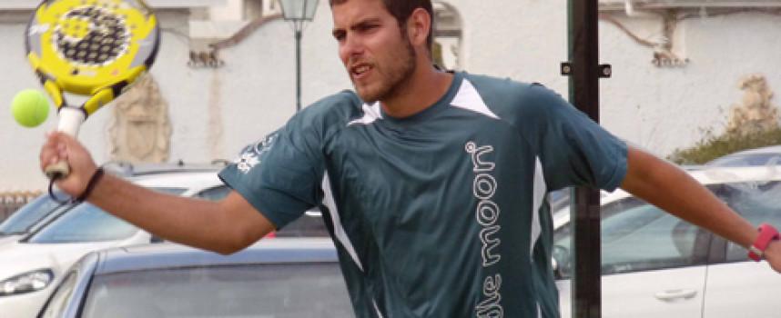 Solvente victoria de Fran Tobaria y Willy Ruiz en la 1ª masculina del Torneo fnspadel Publicris en La Capellanía