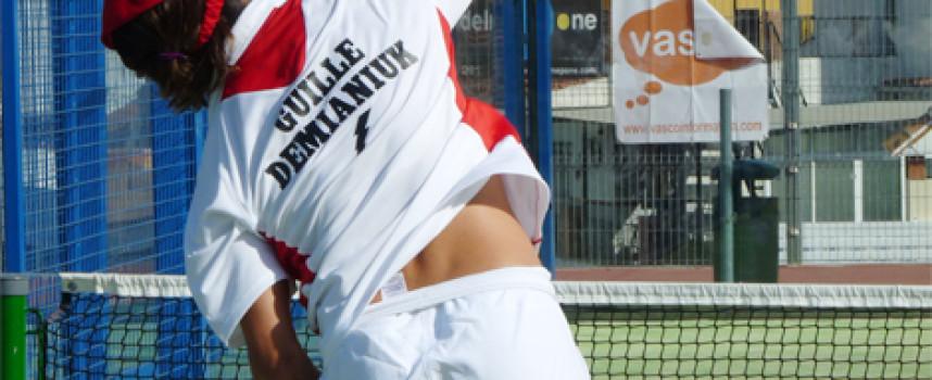Demianiuk y Ale Ruiz recurren al vértigo para arrasar en la final de 1ª del Campeonato de Pádel Málaga Cofrade