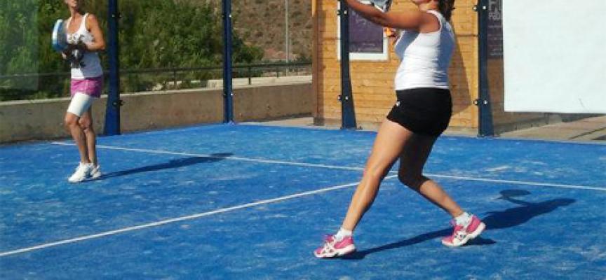 El espectáculo se adueña del II Torneo Fid Pádel en Rincón de la Victoria