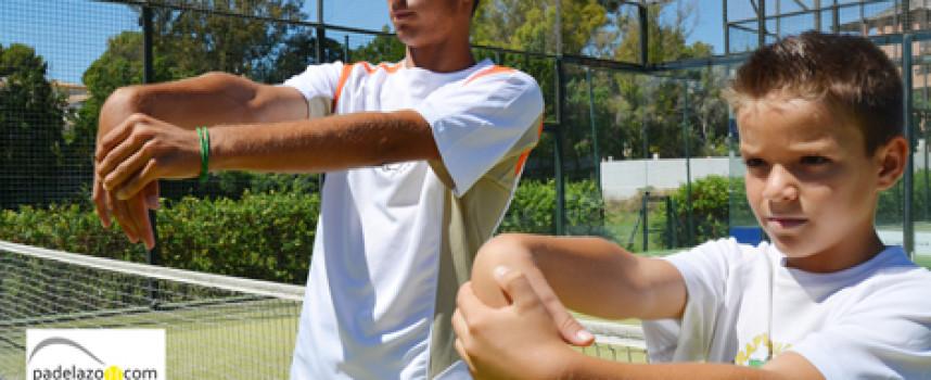 12 ejercicios de estiramientos para prevenir lesiones en el pádel