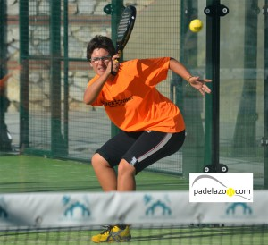 Mary Paz Jimenez padel final 2 femenina torneo clinica dental plocher los caballeros