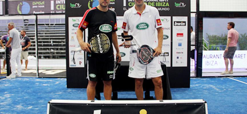 Belasteguin y Martín Díaz resucitan en Ibiza para completar su dominio en la ruta PPT de Baleares