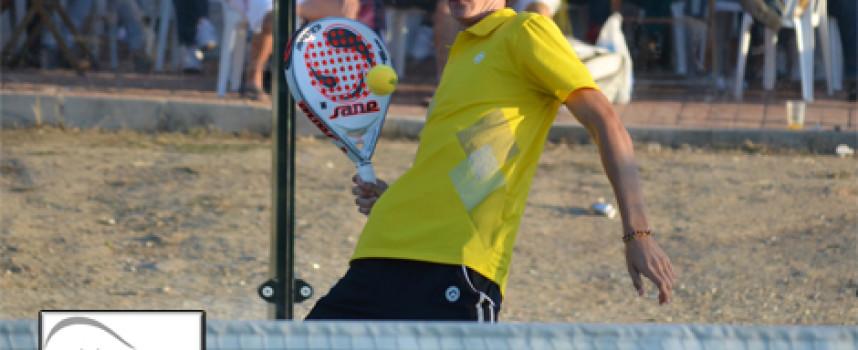 Paquito Ruiz y Lauty del Negro vencen por pegada en el Torneo de Pádel del Colegio Los Olivos