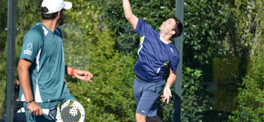 Willy Ruiz y Francis Tobaria se exprimen en su victoria en el II Open benéfico del club Matagrande