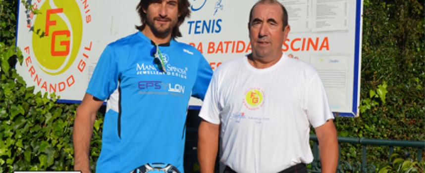 Guille Demianiuk guía al Club de Tenis Miraflores en su apertura al pádel