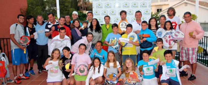 El espectáculo inunda el club El Mirador durante su gran Torneo de Pádel