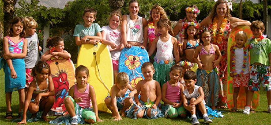 La diversión y el deporte abren las puertas del Campamento de Verano de Lew Hoad