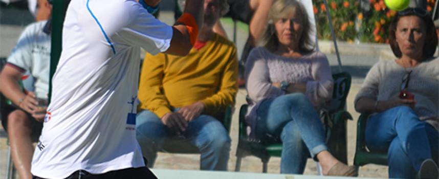 Ernesto Moreno y Fran Tobaria brillan en el estreno de Málaga Pádel Tour en el club Calderón