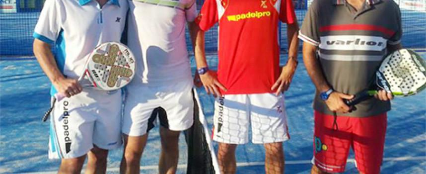 El espectáculo ordena el podio final de la tercera edición de la Liga de Pádel Costa del Sol