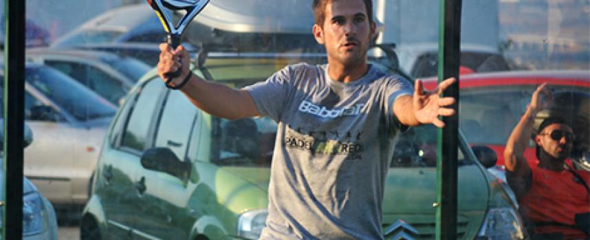 Javi Bravo y Pablo Herrera afinan su pádel con una gran victoria en La Capellanía