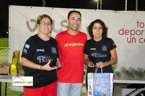 lola martinez y maria del mar ponce padel campeonas 5 femenina torneo beneficio sala premier vals consul octubre 2013