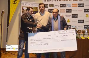 entrega cheque II Open benefico padel club matagrande noviembre 2012