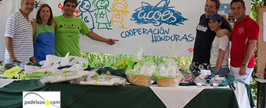 Solidaridad y padel en el club Lew Hoad para ayudar a los niños y niñas de Honduras