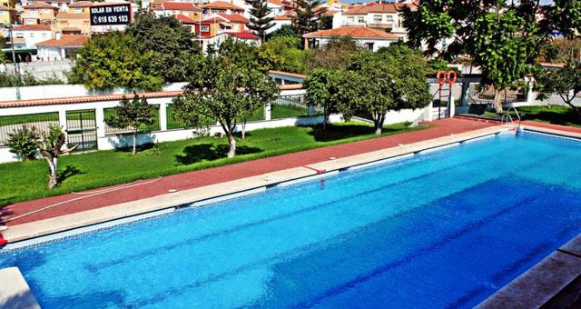piscina club padel el manantial malaga puerto de la torre