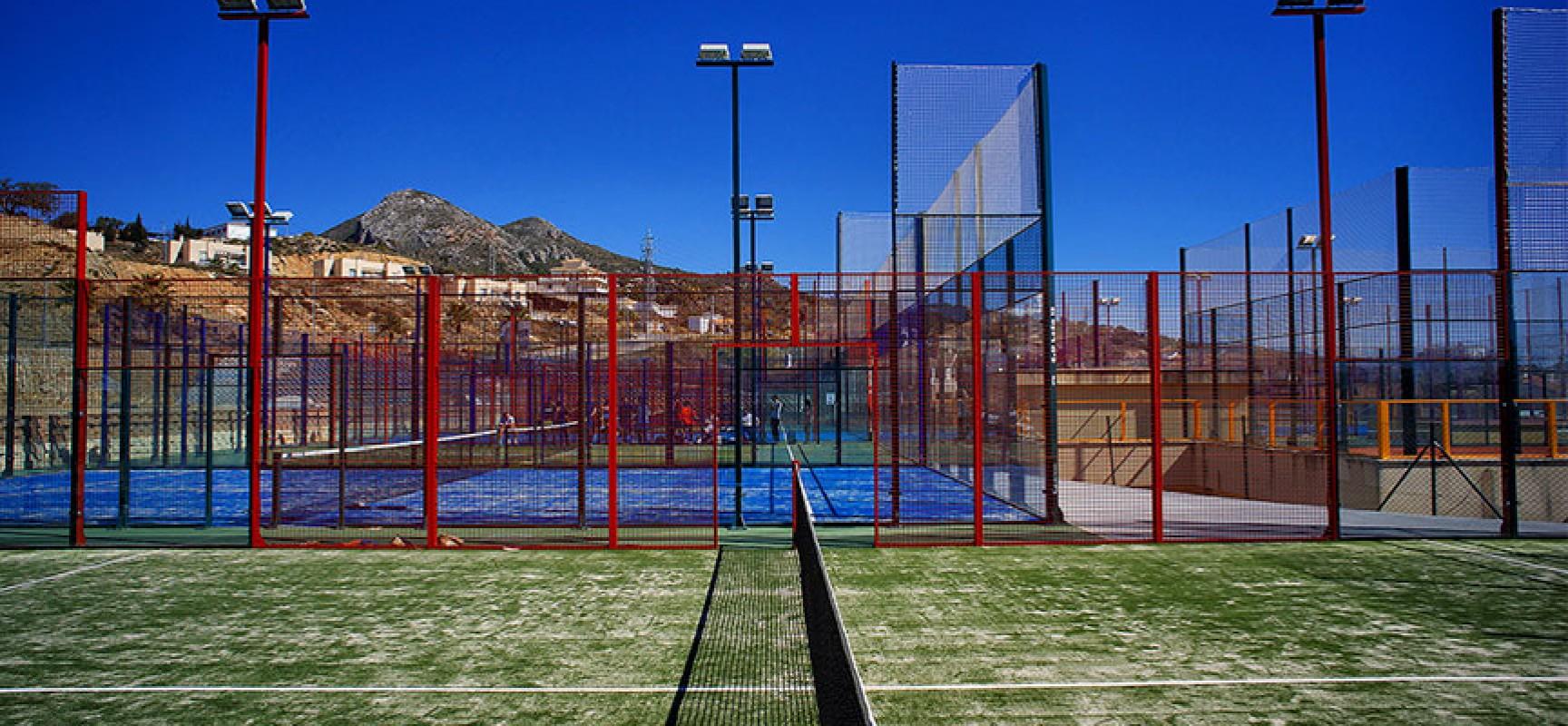 El club deportivo le n 13 ruge el padel con un nuevo club for Pistas de padel malaga