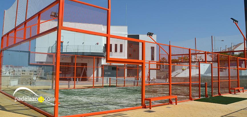 centro-deportivo-las-mesas-estepona-padel-pista-central