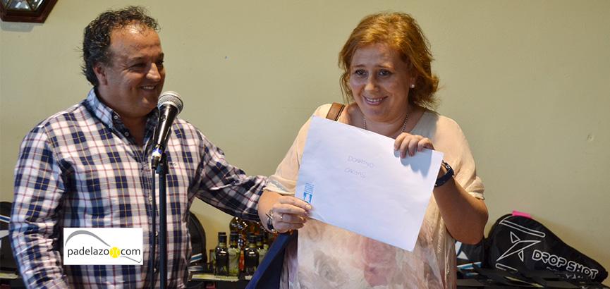 donacion-premio-caritas-open-benefico-padel-matagrande-antequera-2014