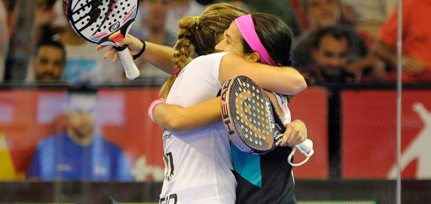 abrazo-salazar-montes-final-femenina-del-world-padel-tour-sevilla-2014