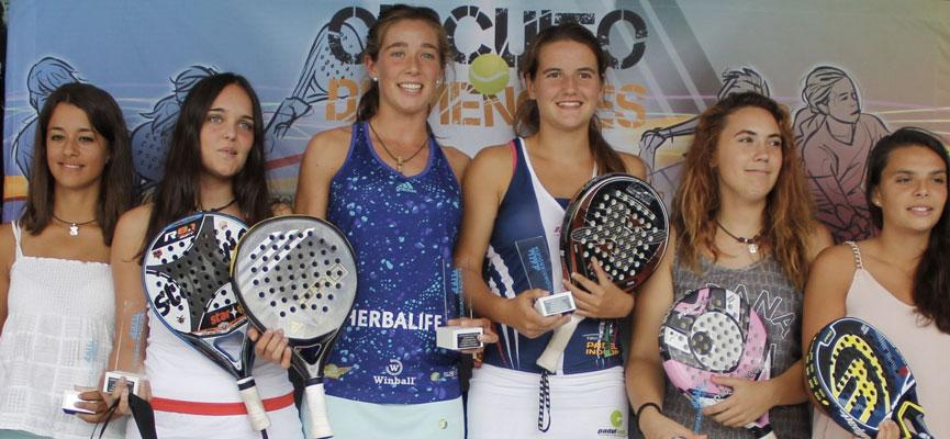 anna-cortiles-marta-castro-marta-ortega-y-ariana-sanchez-finalistas-junior-femenino-campeonato-de-espana-de-padel-de-menores-2014