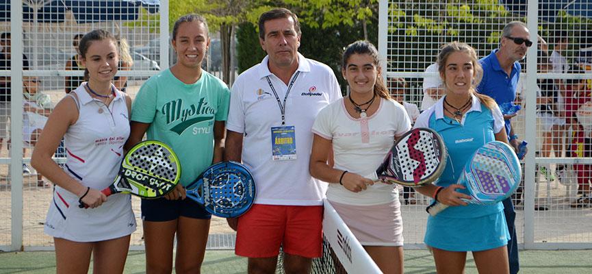 paulla-bellver-bea-gonzalez-carmen-romero-y-miriam-lorente-final-infantil-femenina-campeonato-de-espana-de-padel-de-menores-2014