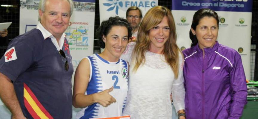 El padel solidario agranda el espectáculo en el IX Torneo Benéfico FMAEC en El Candado