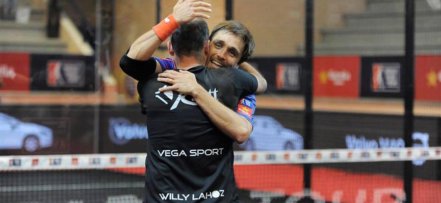 willy-lahoz-y-bela-campeones-final-masculina-estrella-damm-san-fernando-open-2015
