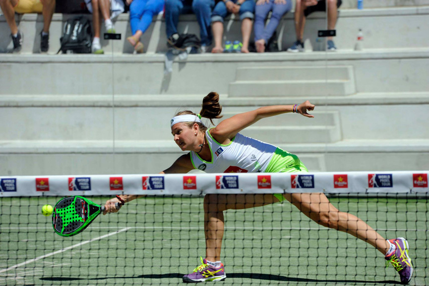 carolina-navarro-cuartos-final-world-padel-tour-valladolid-2015