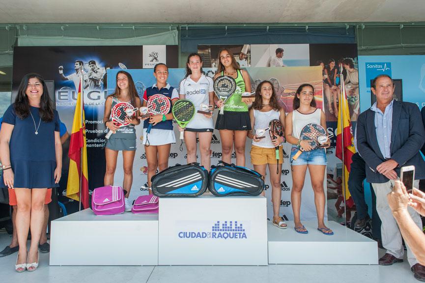 campeonas-y-subcampeonas-cadete-femenino-campeonato-espana-padel-menores-2015