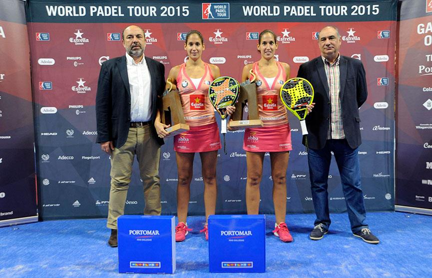 majo-y-mapi-sanchez-alayeto-trofeo-campeonas-final-femenina-estrella-damm-galicia-open-2015