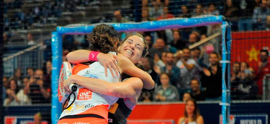 marta-marrero-y-ale-salazar-ganadoras-final-femenina-estrella-damm-valencia-master-2016