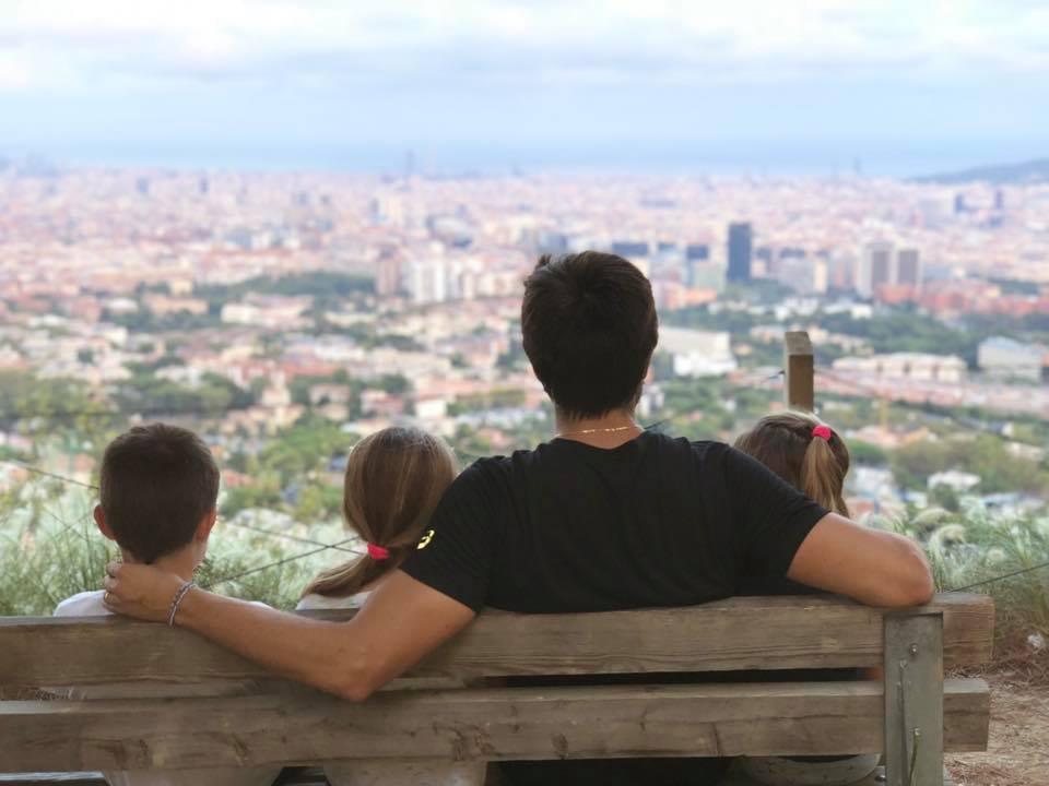 belasteguin con sus hijas en barcelona