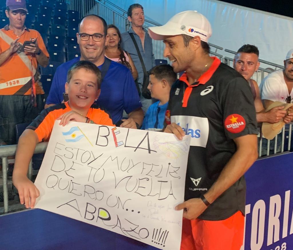 bela celebra con joven fan mijas open 2019