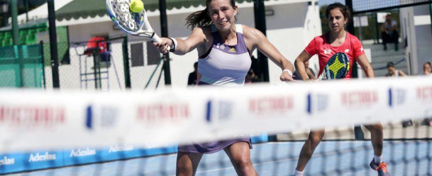 Las favoritas cumplen y dos locales se despeñan en el inicio del cuadro femenino en Marbella