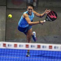 Muchos sustos y dos caídas sonadas en los octavos femeninos del Vuelve a Madrid Open 2020